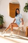 Ivy Moraes lança coleção de roupas inspirada no céu