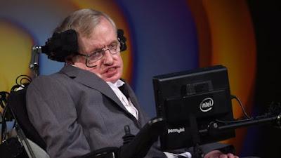 وفاة عالم الفيزياء الشهير ستيفن هوكينغ من أعظم العقول العلمية عن عمر يناهز 76 سنة
