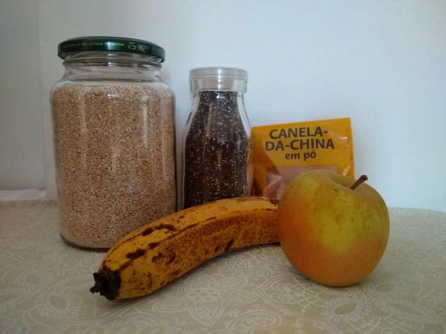 Oat bran, chia seed, apple, banana and cinnamon.