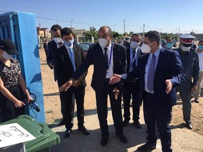 أمزازي يتفقد مركز الامتحان بالثانوية التأهيلية الأميرة لالة خديجة بجماعة لالة ميمونة