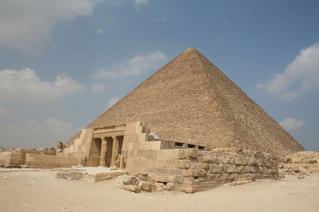 Great Pyramid of Giza: World Wonder