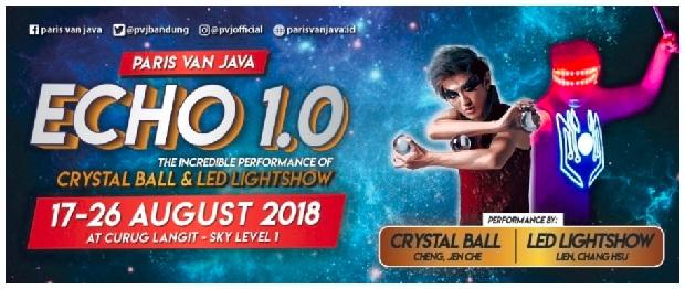 Echo 1.0 Led Lightshow & Crystal Ball Performance Paris van Java