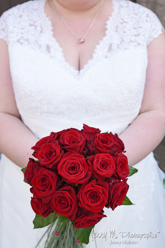 photo bouquet de la mariée roses rouges