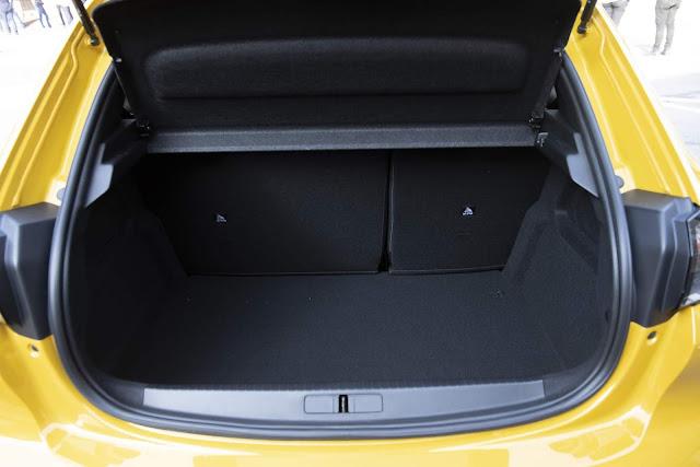 Novo Peugeot 208 2020 - interior - porta-malas