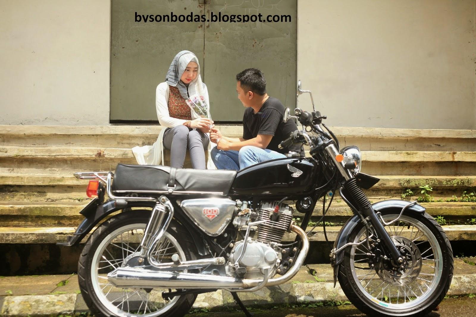 Foto Prewedding Motor Cb Prewedmoto