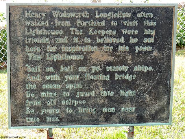 Placa sobre Henry Wadsworth Longfellow en el Portland Head Light