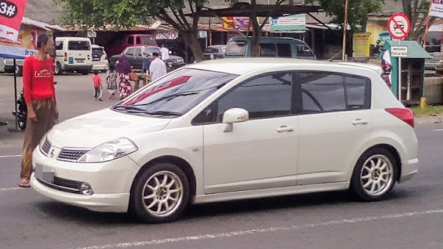 Nissan Latio hatchback Indonesia