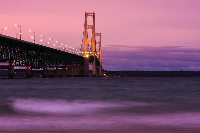 USA. Mackinac Bridge. The main span - 1,158 m. (James Marvin Phelps)