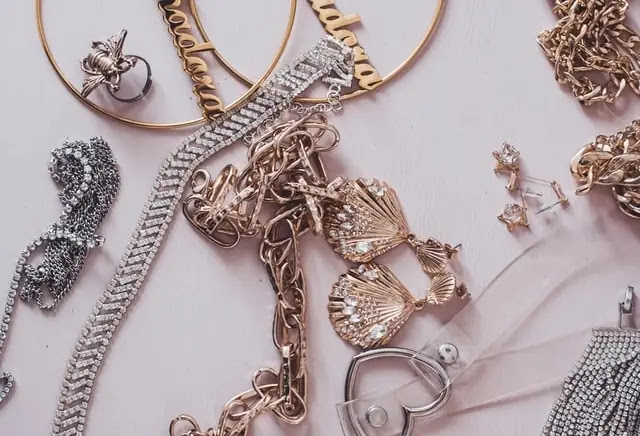 aprende ingles joyas colgantes brillantes pendientes pulseras piedras preciosas complementos