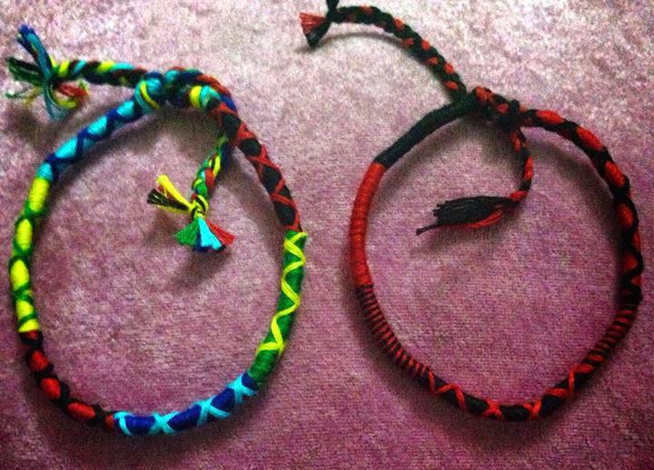 vong-tay-handmade-tu-lam-vs-rastaclat-nuoc-ngoai
