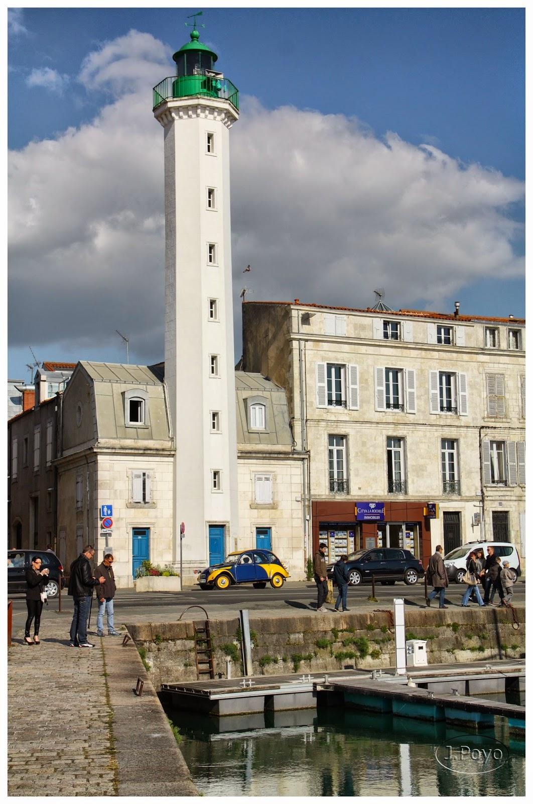 Faro posterior del puerto de La Rochelle