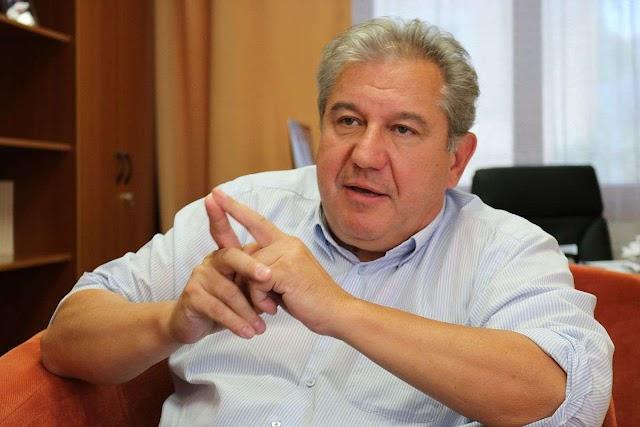 Dömsödi Gábor, az egykori műsorvezető magányos farkasnak érezte magát és belépett a DK-ba