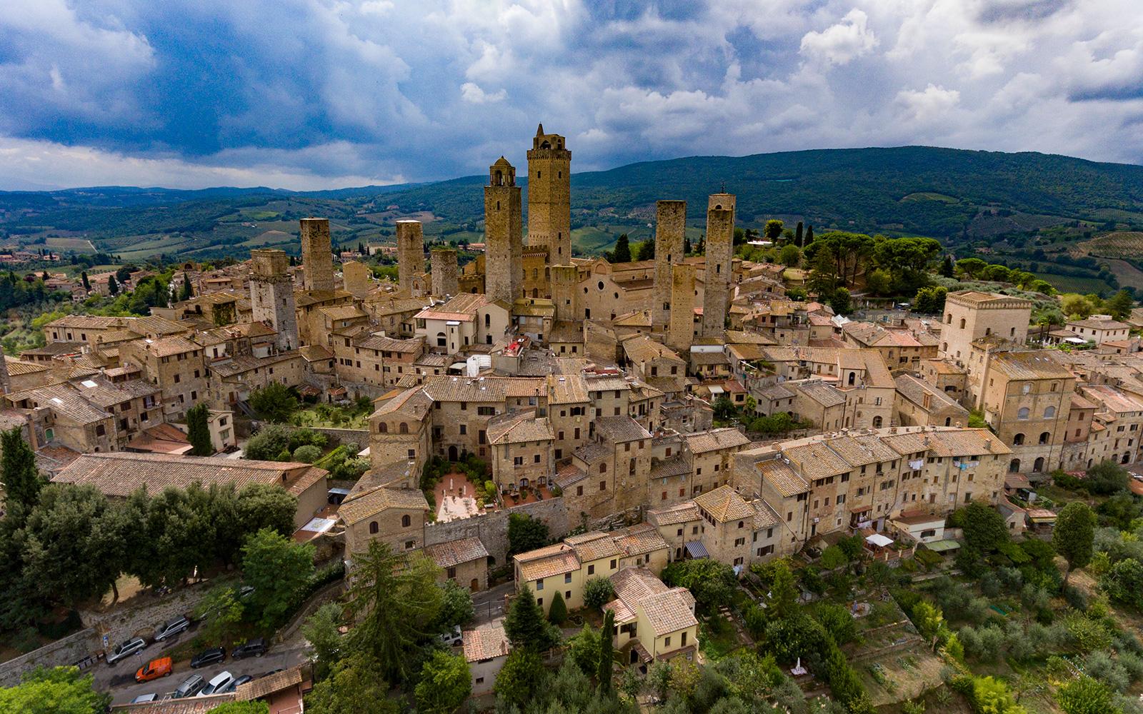 Kulturna citanka - Page 2 San-Gimignano