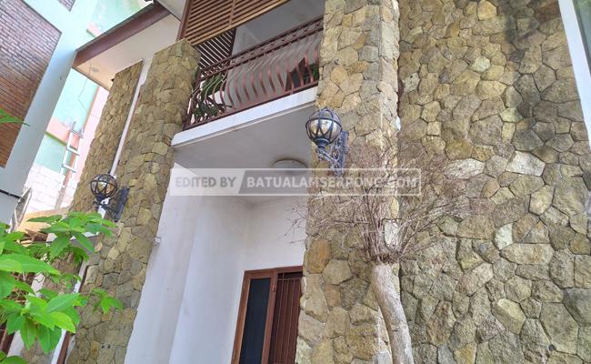 dinding batu alam serai bali