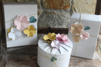 packaging con flores de cartulina