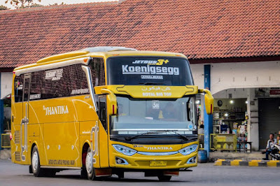 Foto Bus New Shantika 5B Royal Big Top