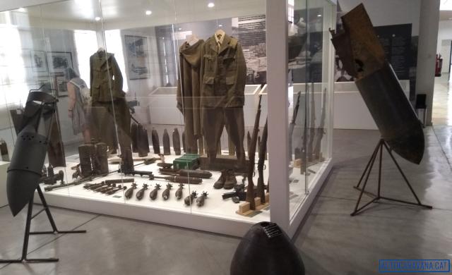 Bombes i uniforms del museu