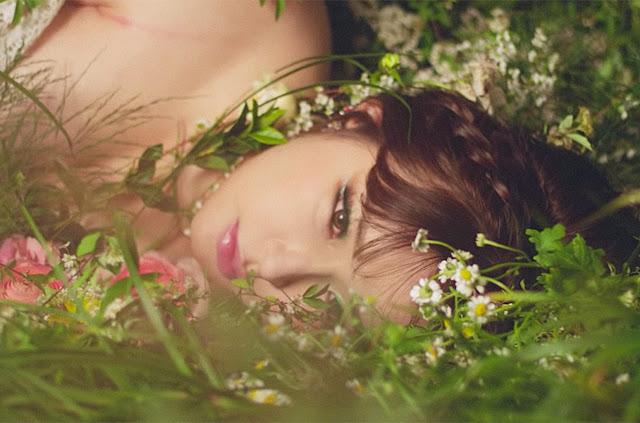 "Lagu Park Bom - ""Spring"" Rajai Tangga Lagu Korea"