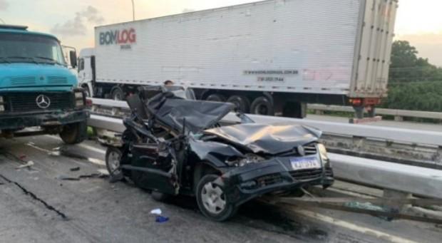 Grave acidente de trânsito na BR- 101 em Recife.
