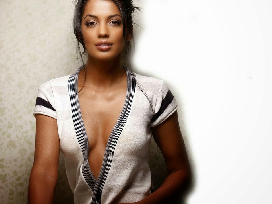 Bollywood Actresses In Maxim: Mugdha Godse Maxim Hot Photo Shoot