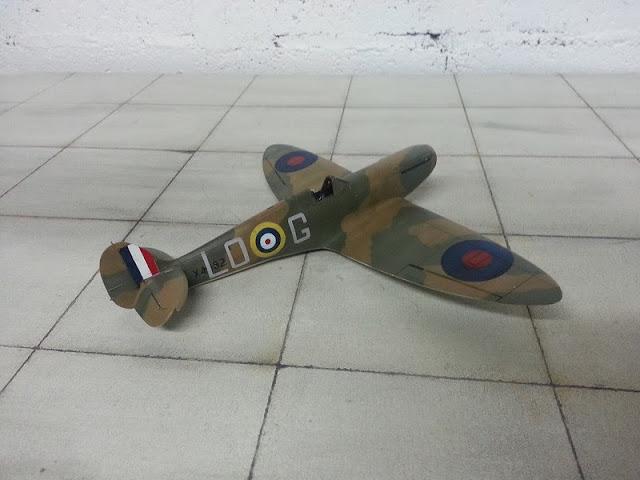 camouflage du Spitfire MkI D'Airfix au 1/48.