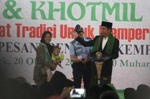 presiden jokowi kunjungi ponpes kempek