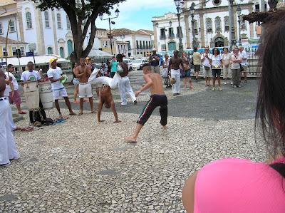 Danza capoeira, Salvador de Bahía, Brasil, La vuelta al mundo de Asun y Ricardo, round the world, mundoporlibre.com