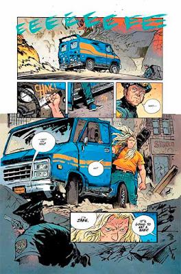 Ejemplos de páginas de Murder Falcon, editado en España por Planeta Cómic