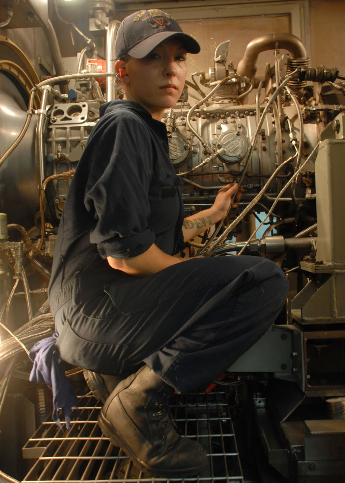 Battleship Engine Room: Pergelator: August 2013