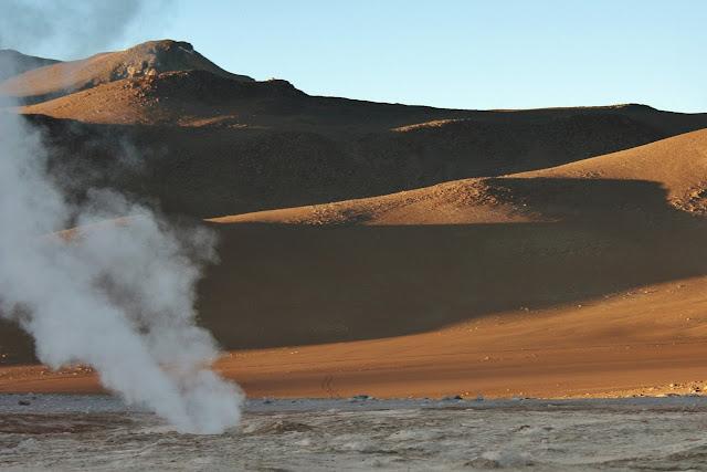 Geiser Sol de la Mañana, no Altiplano Andino da Bolívia