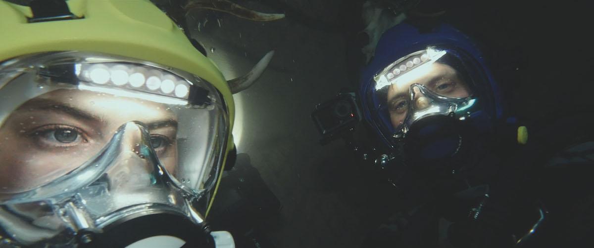 Первые кадры подводного хоррора The Deep House про блогеров и маньяка - 07