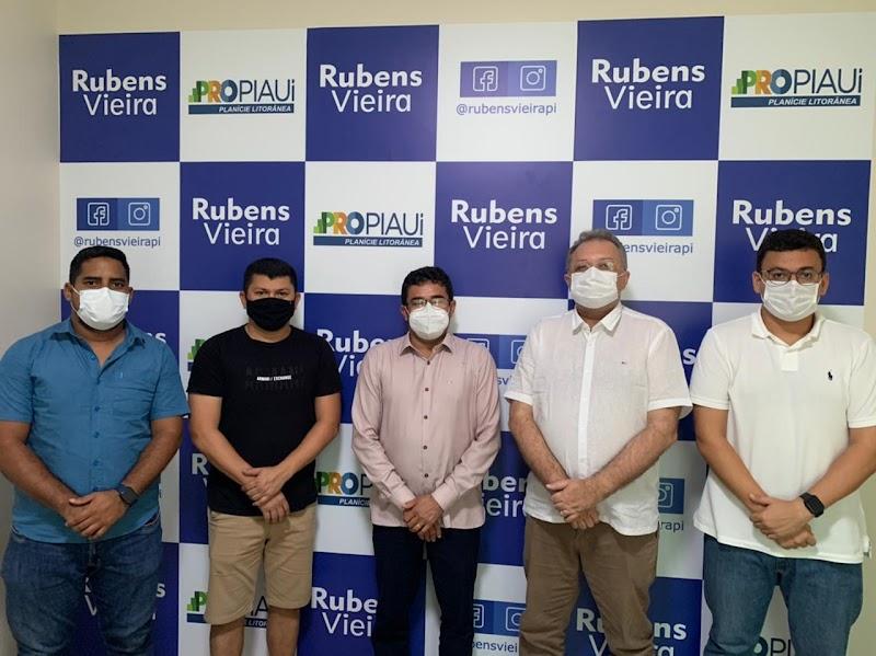 Secretário de Saúde do Estado, Florentino Neto visita Rubens Vieira, coordenador regional do PROPIAUÍ