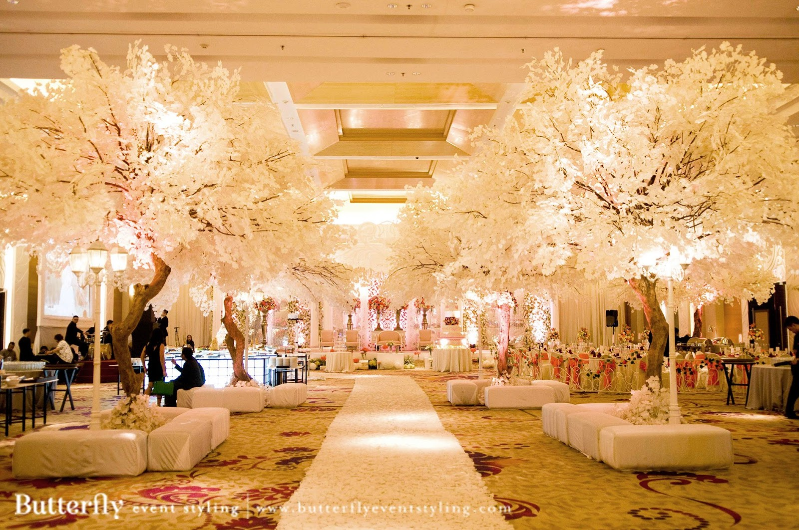 Diy fall wedding decorations wedding ideas dont have anybody to be a flower woman ring pillows and flower girl baskets usually are available in colours different than simply white and ivory and junglespirit Gallery