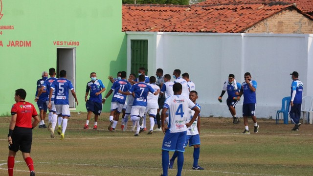 Oeirense vence o Comercial por 2x1, mas deixa a liderança por saldo de gol