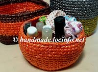 メリヤス細編みで作る小物入れ, A mini basket of center single crochet,