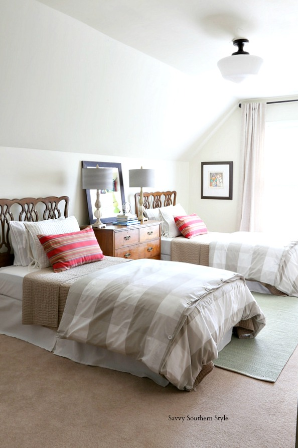 Savvy Southern Style : Spring Style Bedroom and How to Make a Bed Taller