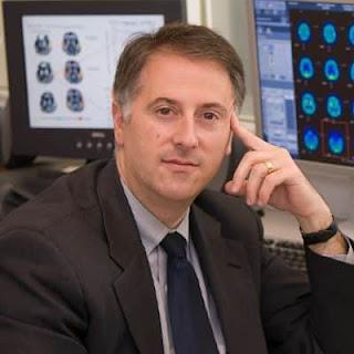 Usan implantes eléctricos para ayudar a mujer con daños cerebral