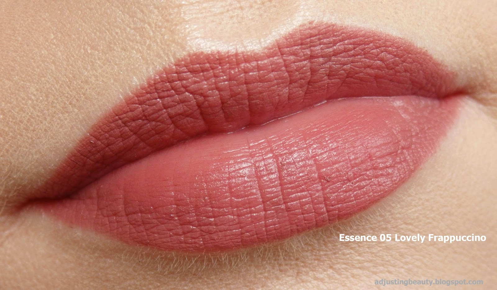 review essence longlasting lipliners 02 sweetheart 04 peach beauty 05 lovely frappuccino 06. Black Bedroom Furniture Sets. Home Design Ideas