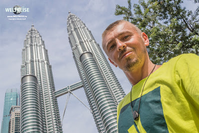 Arkadij und die Petronas Zwillingstürme. Kuala Lumpur. WELTREISE.tv