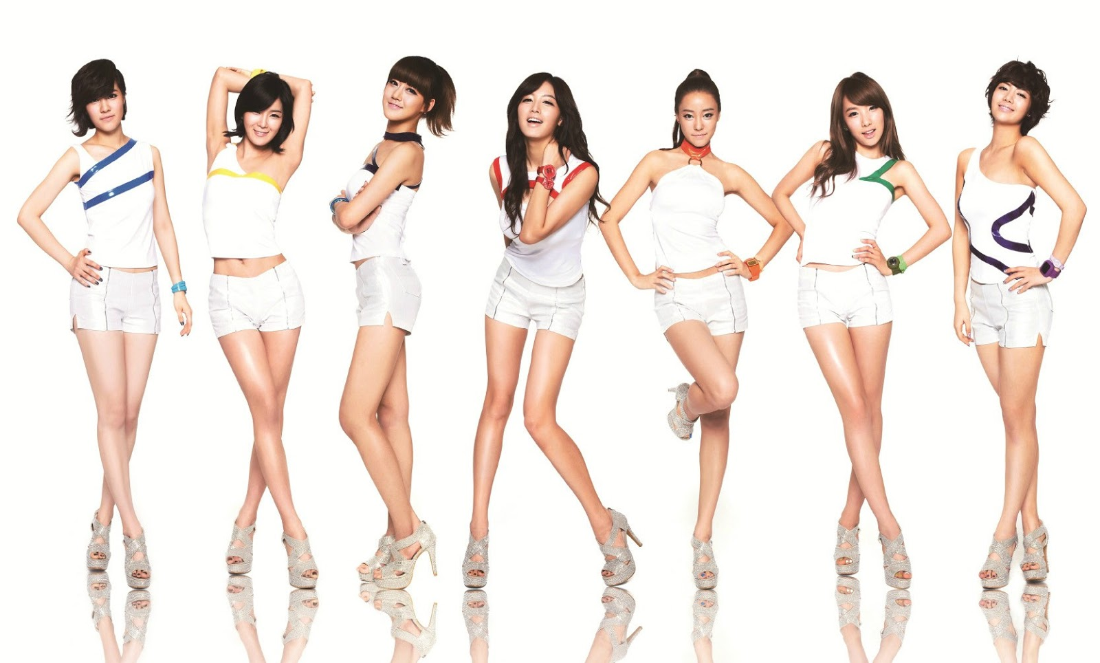 Kpop Group: TWIN TOWERS @LIVE 2013: DEMI LOVATO, 2NE1, BACKSTREET BOYS