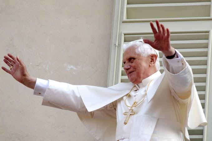 XVI. Benedek: az azonos neműek házassága ellentétes az emberiség egész eddigi hagyományával