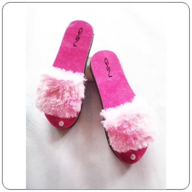 Sandal Slop bulu dewasa
