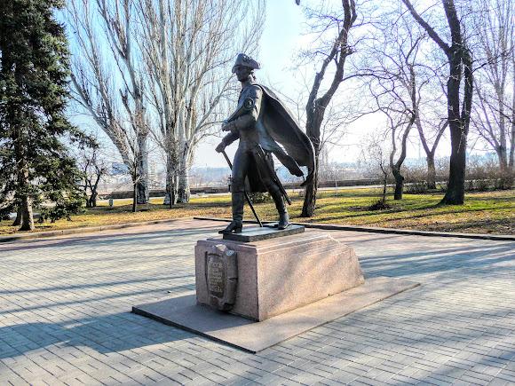 Миколаїв. Пам'ятник М. Л. Фалєєву – засновнику міста