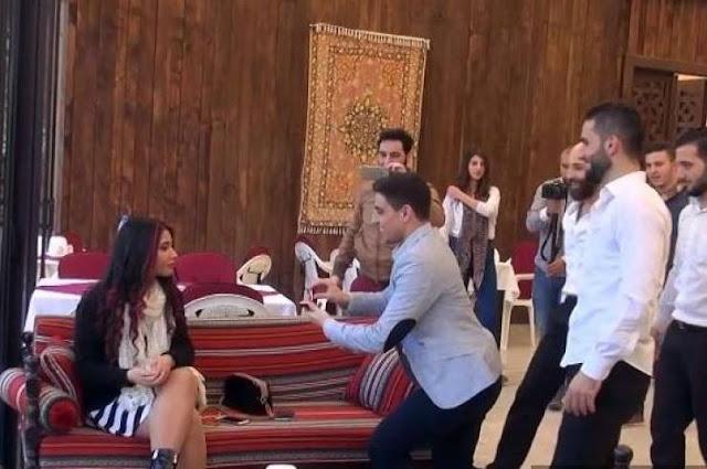 فيديو| رفضت عرضه للزواج امام الجميع.. فتبدلت العروس! شاهدوا المفاجأة...
