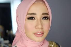Yulie Make Up & Hijab - Aceh