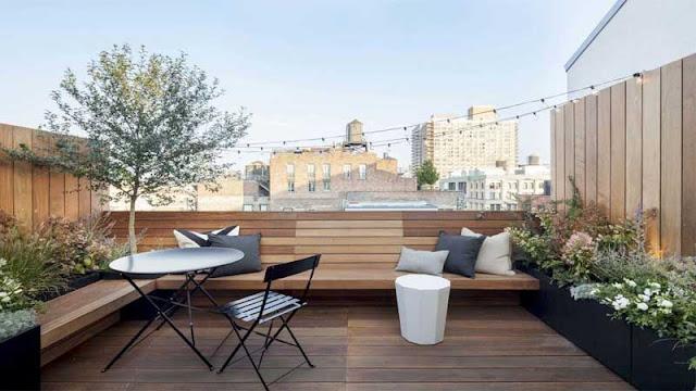 material lantai kayu outdoor untuk rooftop minimalis