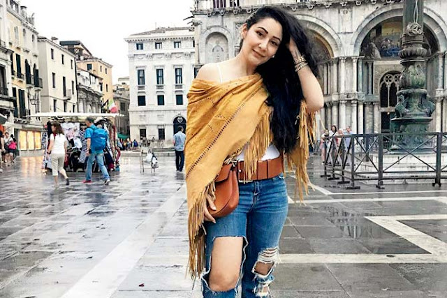 Sanjay Dutt's wife Maanayata Shows off Ripped Denims In Italy