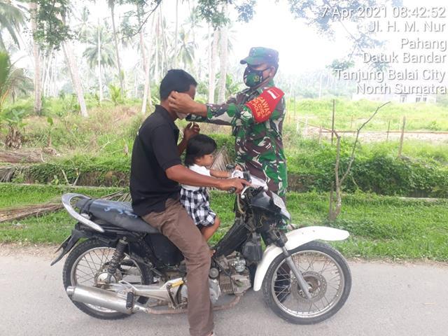 Personel Jajaran Kodim 0208/Asahan Lakukan Kunjungan New Normal Terhadap Masyarakat