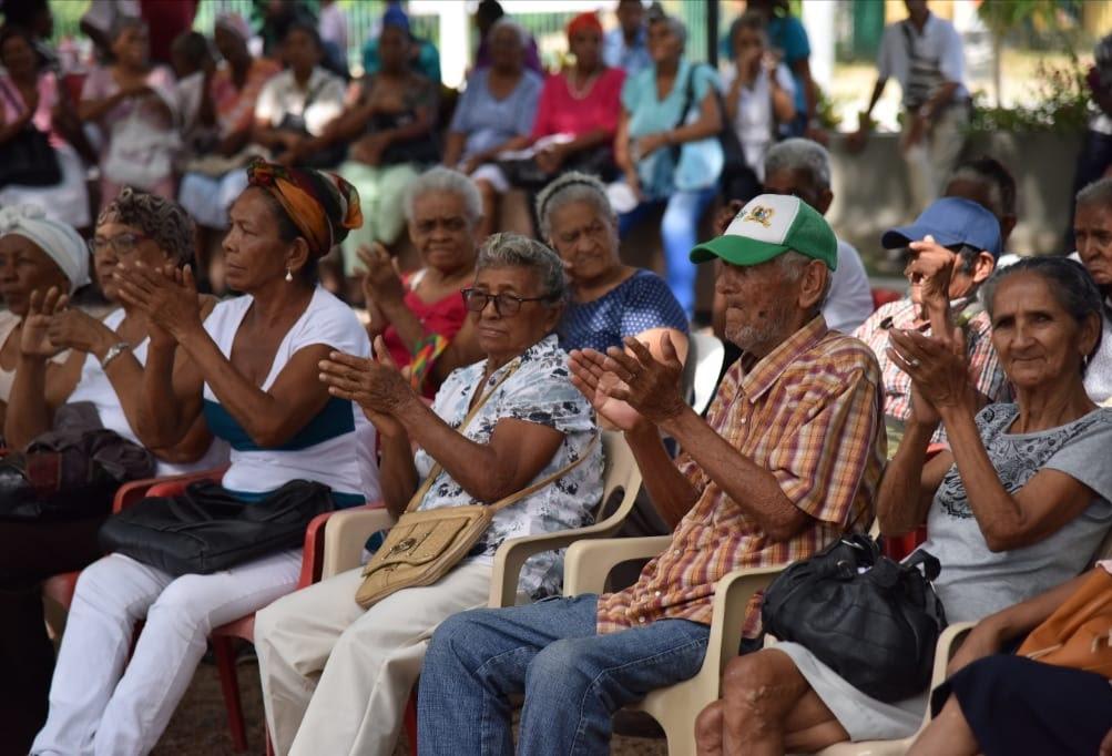 https://www.notasrosas.com/Colombia Mayor llega desde el viernes 28 de mayo, a un millón 650.000 adultos mayores