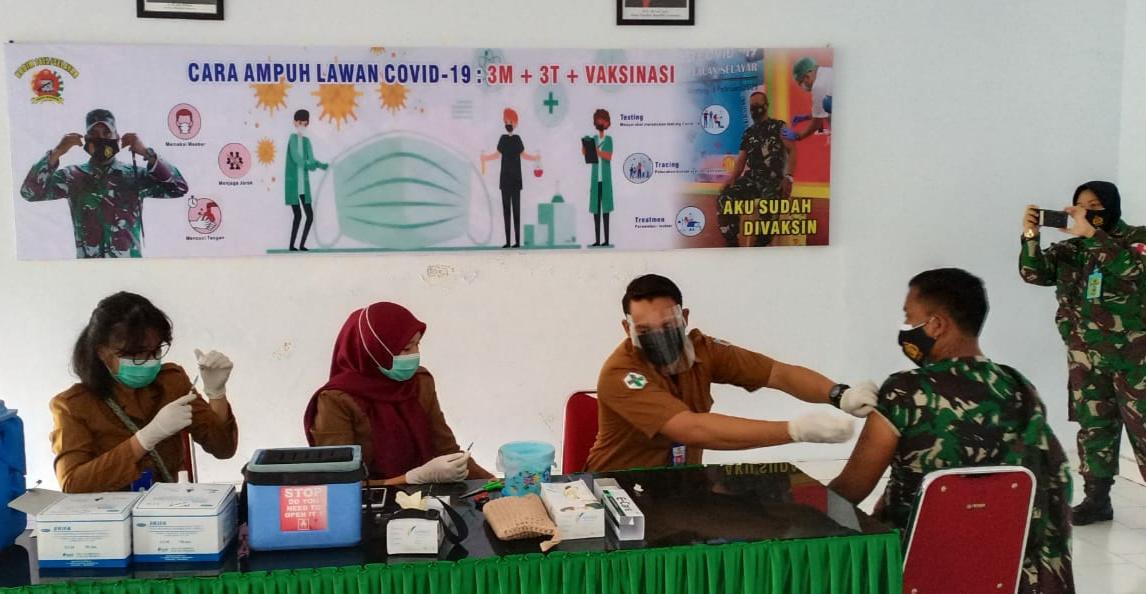 121 Prajurit TNI Kodim 1415 Kepulauan Selayar Di Suntik Vaksin Covid-19